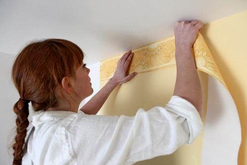 lepljenje bordure uz plafon