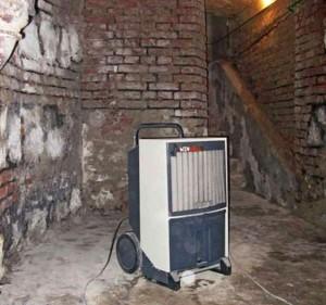 mašinsko uklanjanje vlage iz prostorije