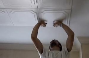 Lepljenje ukrasnog stiropora na plafon