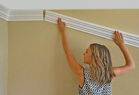 postavljanje lajsne od stiropora ma zid