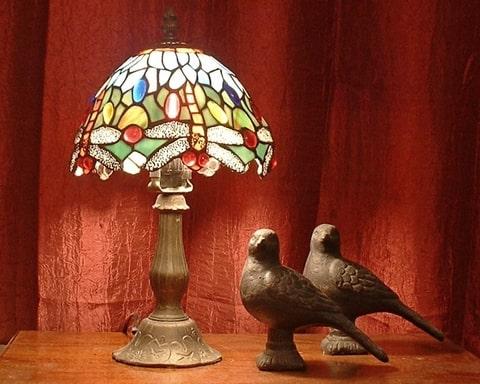 tifani lampa i art deko stilu
