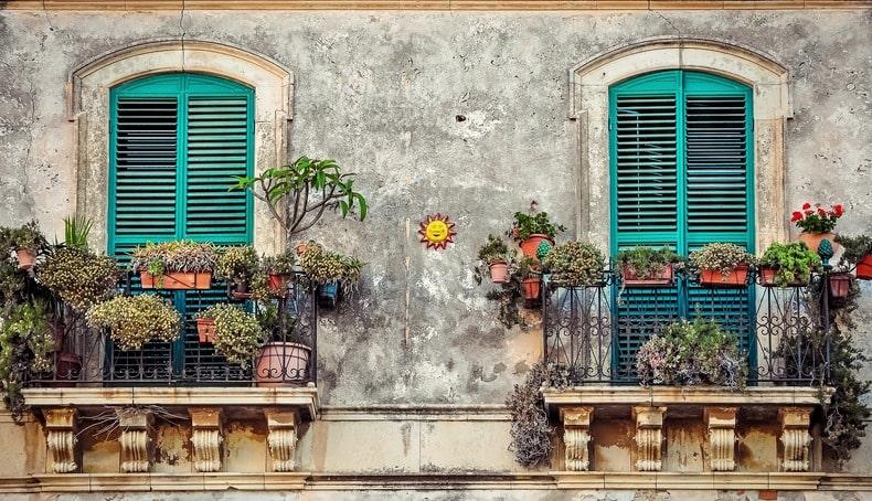 dva francuska balkona